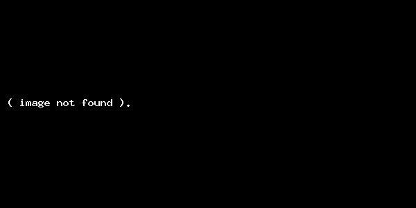 Bəhram Bağırzadə oğlu ilə kitab mağazasının açılışında (FOTOLAR)